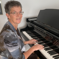 Accompanist, Rowena Hoeve